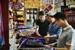 men shopping in mexico