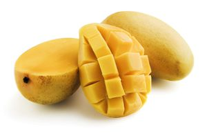Mango skin contains urushiol, the irritating compound found in poison ivy and poison oak.