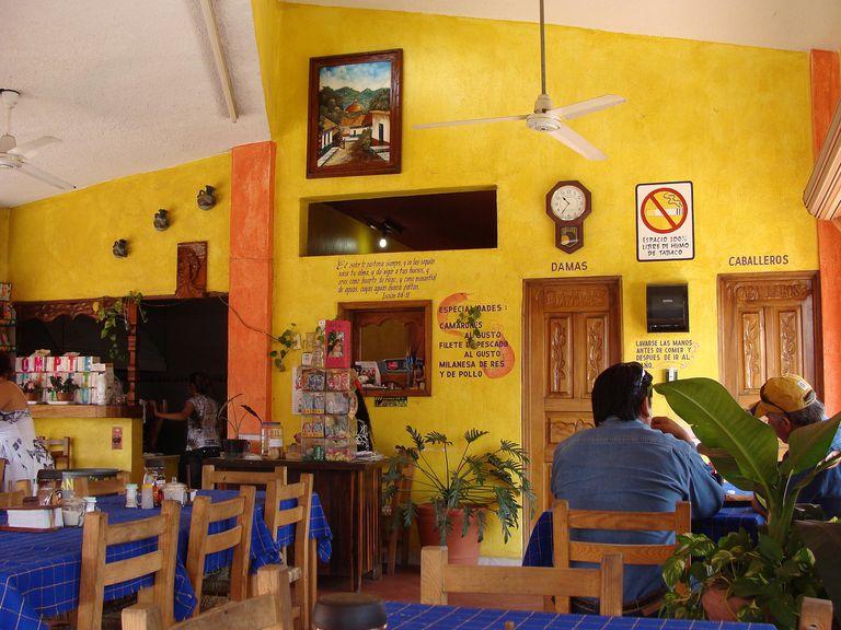 Mexican restaurant for Spanish grammar lesson