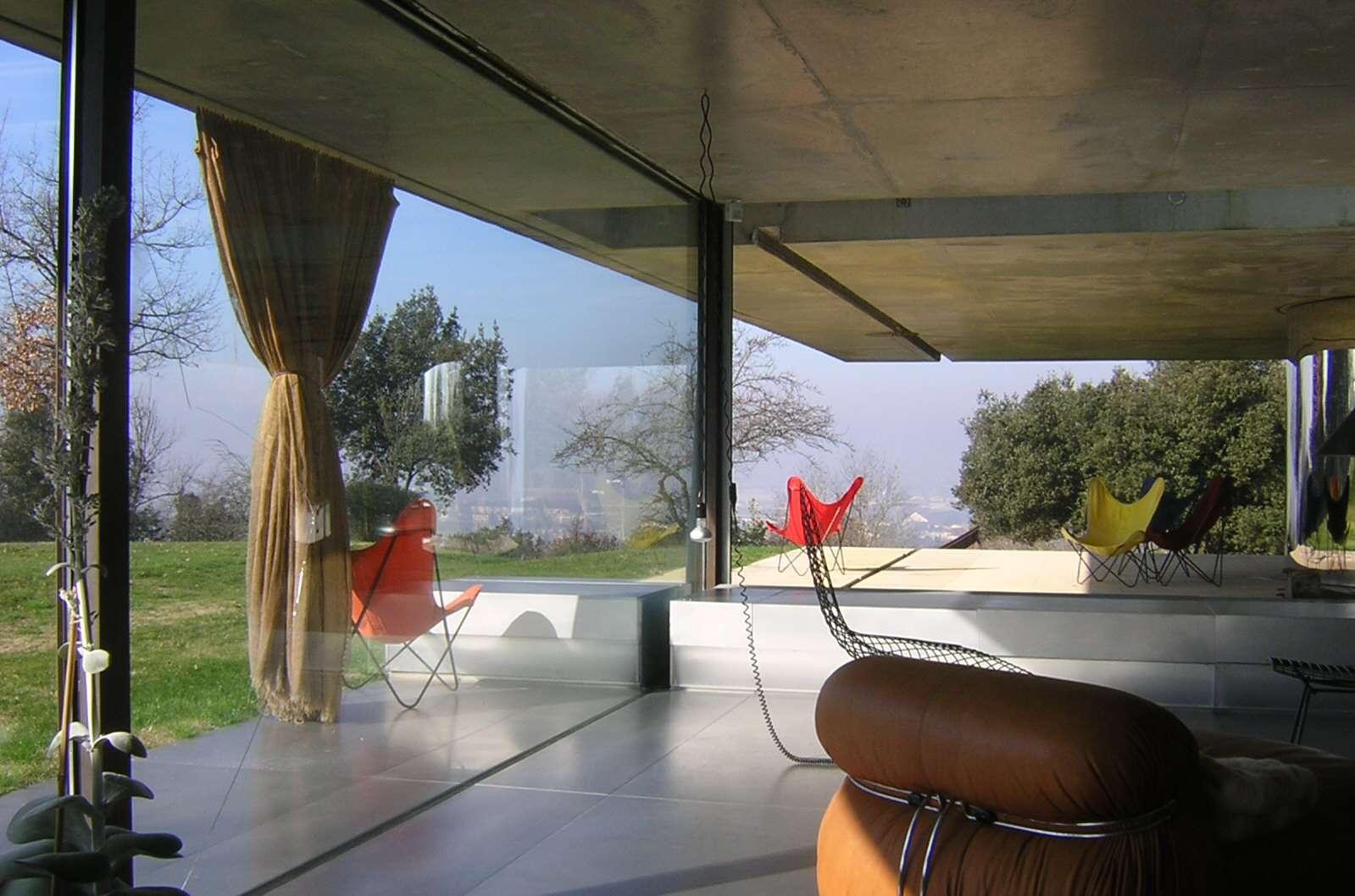 Middle level interior of Maison à Bordeaux by Rem Koolhaas, 1998
