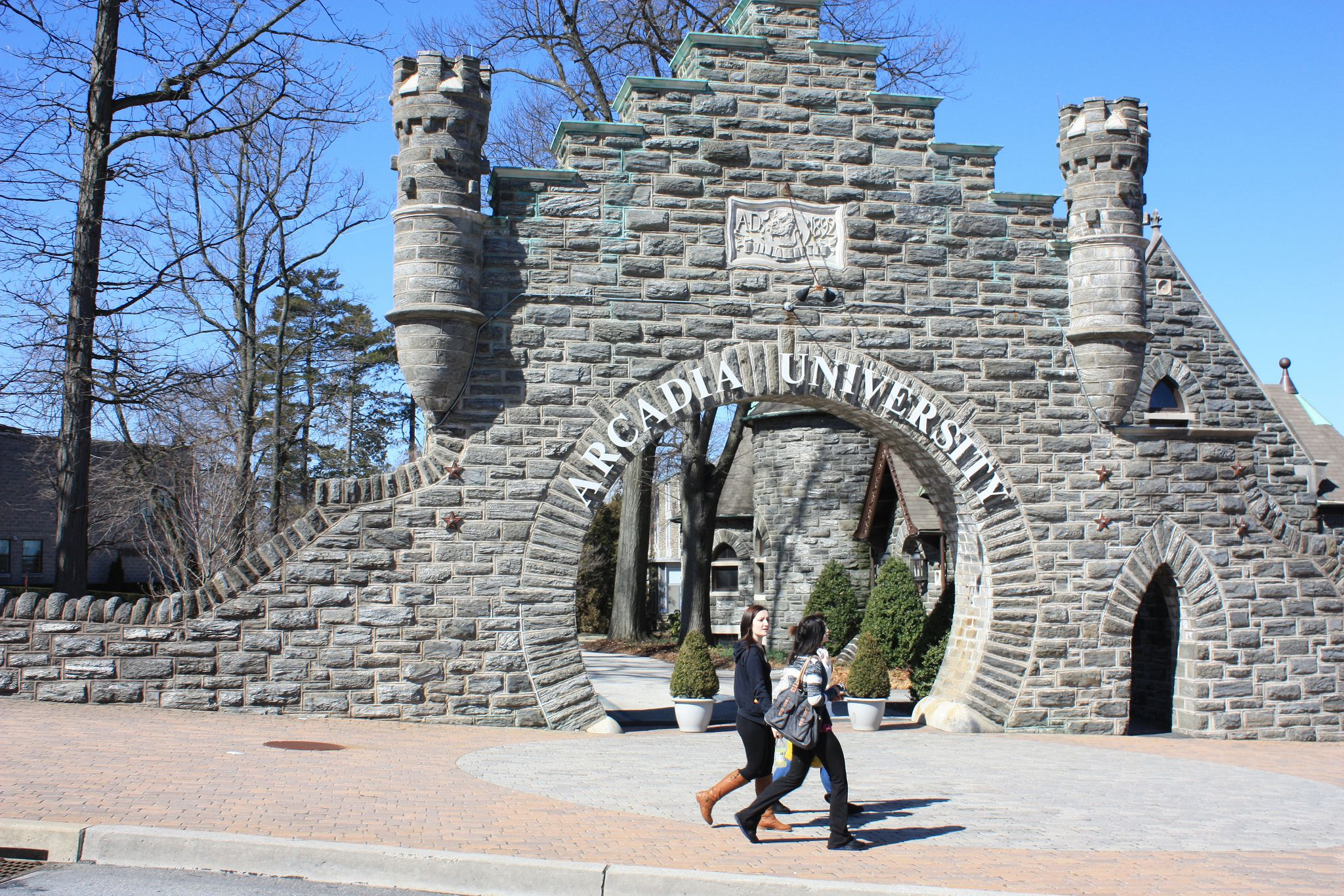 20 Great Colleges For Students With Low Sat Scores