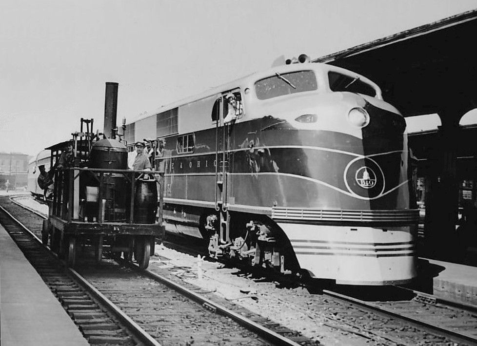 Photo of the Baltimore & Ohio's EMD EA diesel locomotive for the Capitol Limited and the railroad's replica of their noted early steam engine, Tom Thumb.
