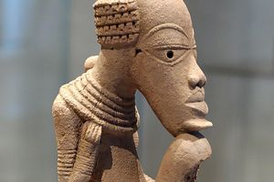 Nok Terracotta statue on display at the Louvre