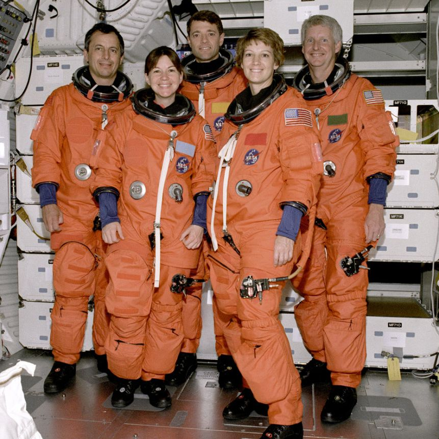 STS-93 crew Michel Tognini, Catherine Cady Coleman, Jeffrey Ashby, Eileen Collins, Stephen Hawley