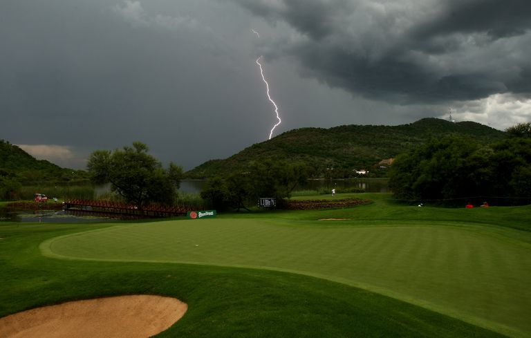Golfers Vs Lightning How To Stay Safe On The Course