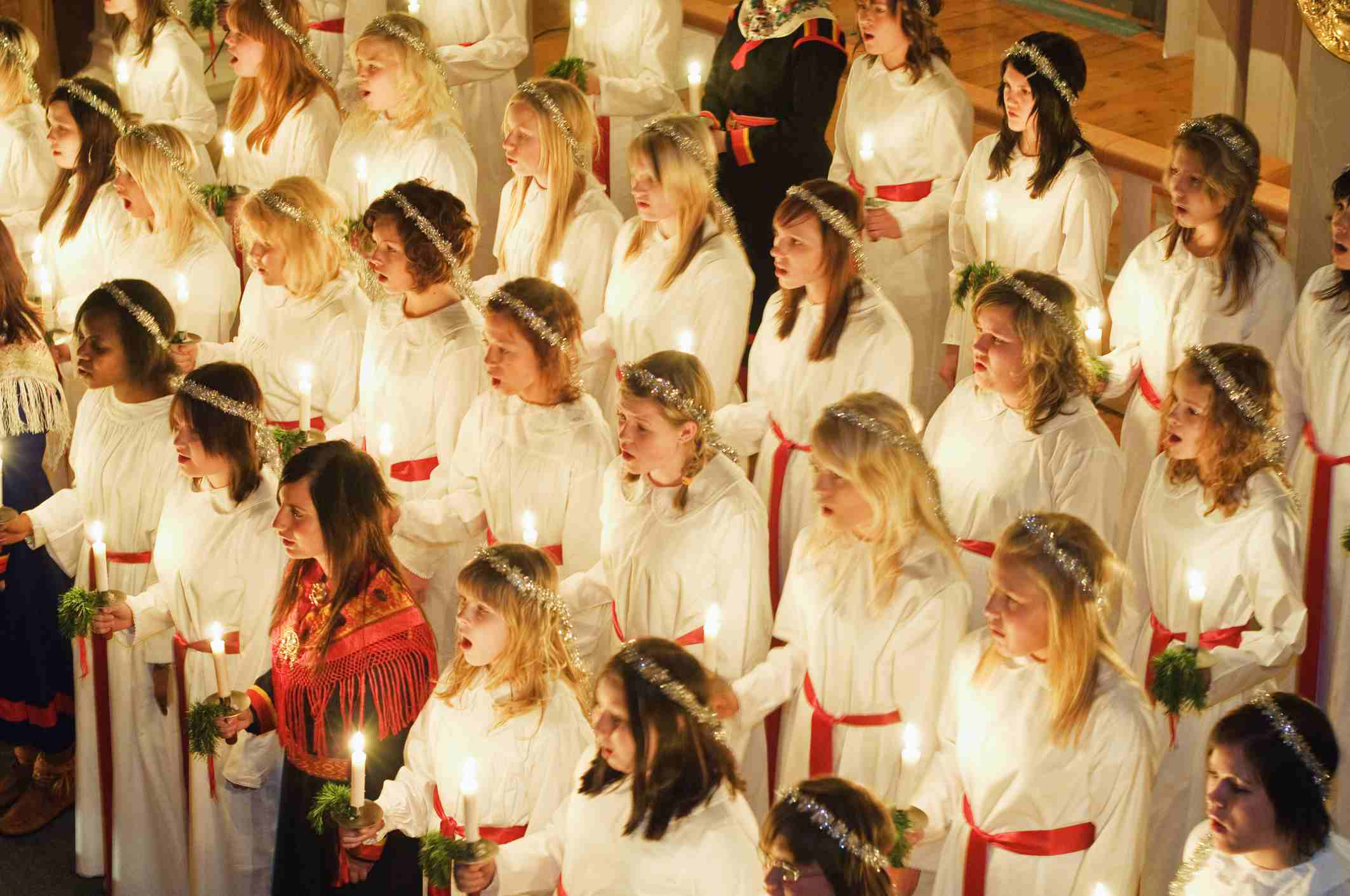 o come all ye faithful - Best Christian Christmas Songs