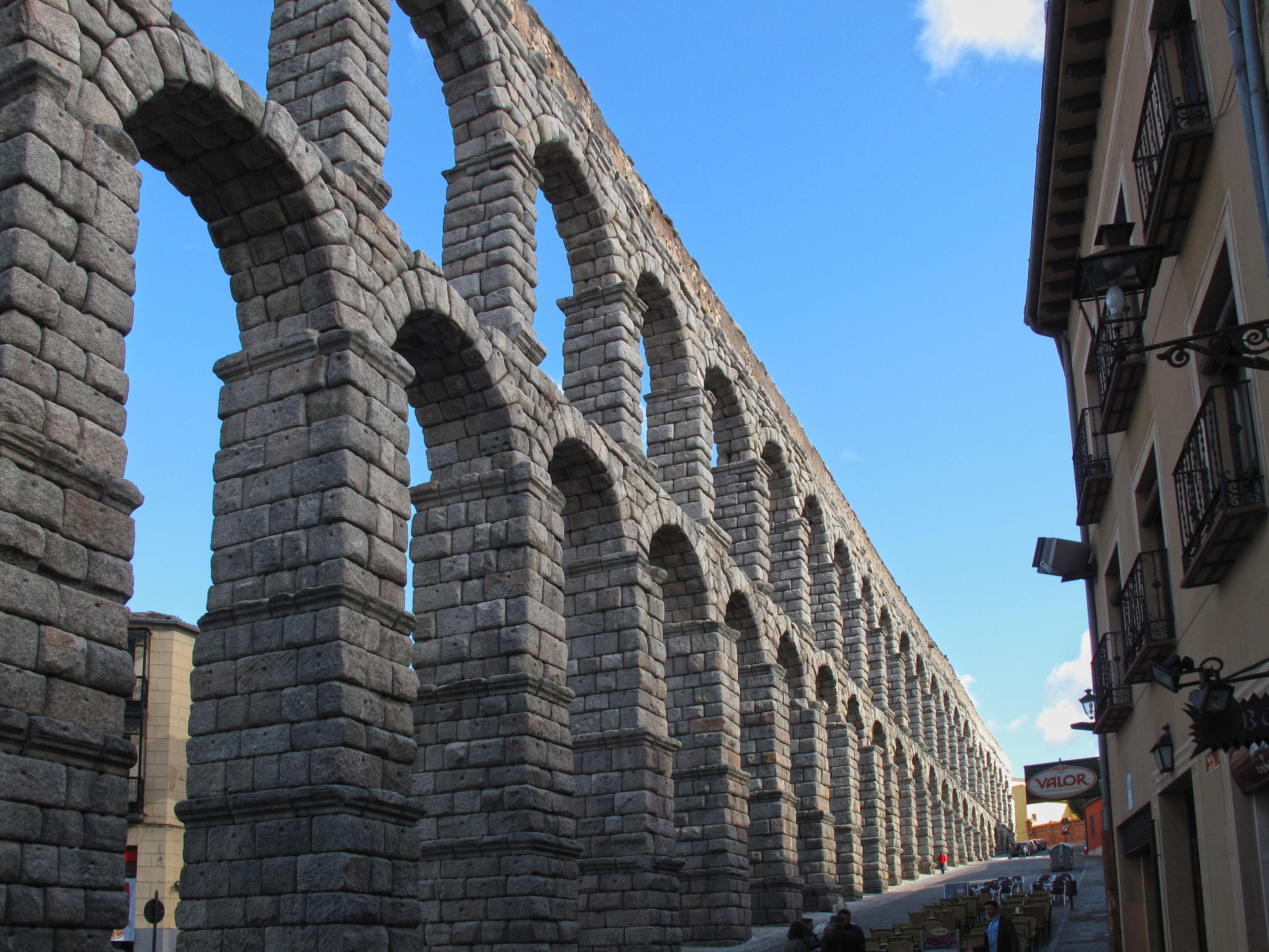aqueductsegovia.jpg