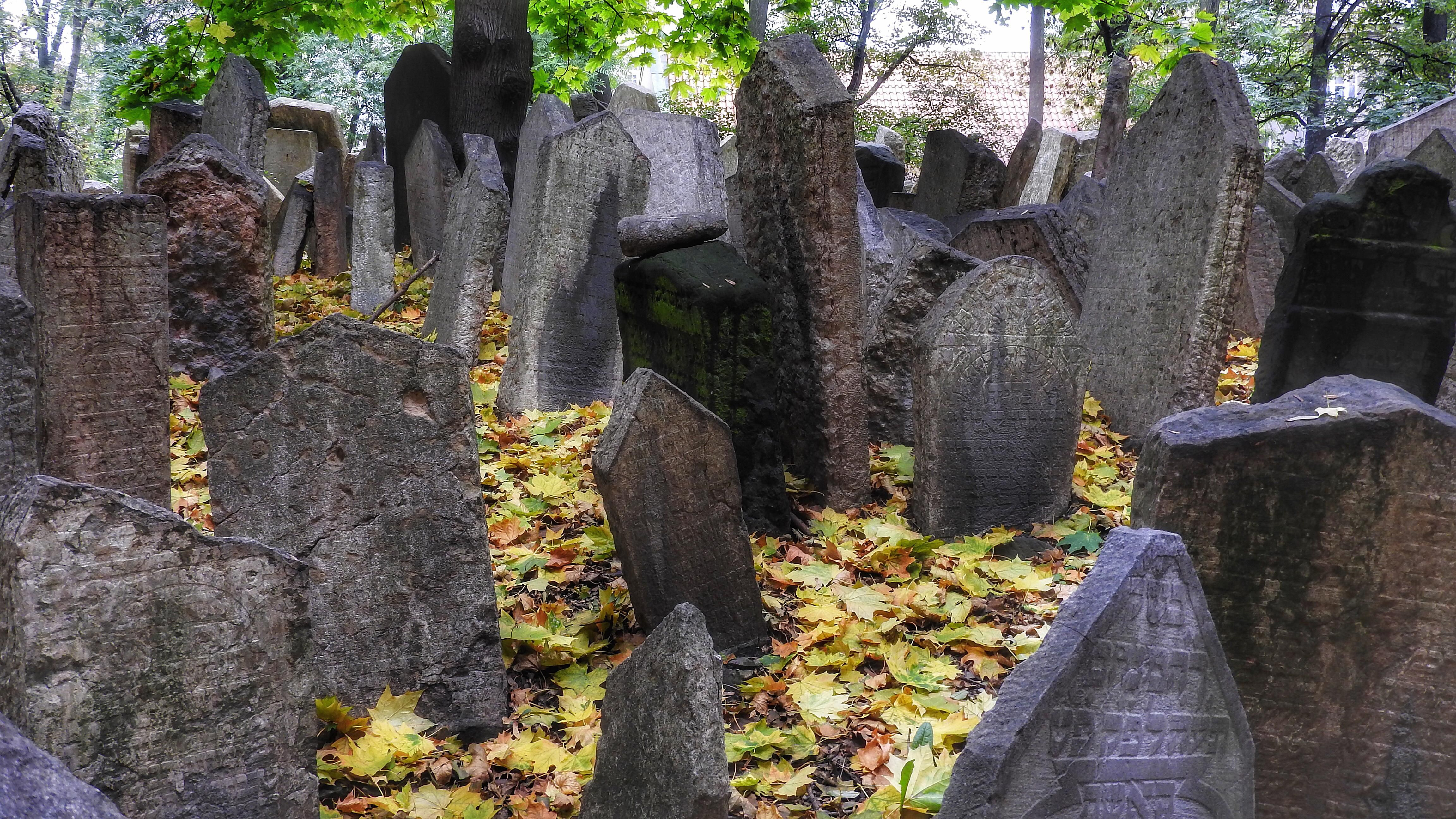 Tombstones can be a good source for female maiden names