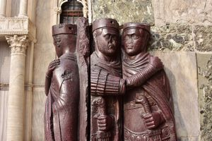 statue of the tetrarchs