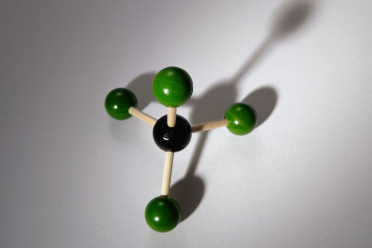 This is the structure of carbon tetrachloride.