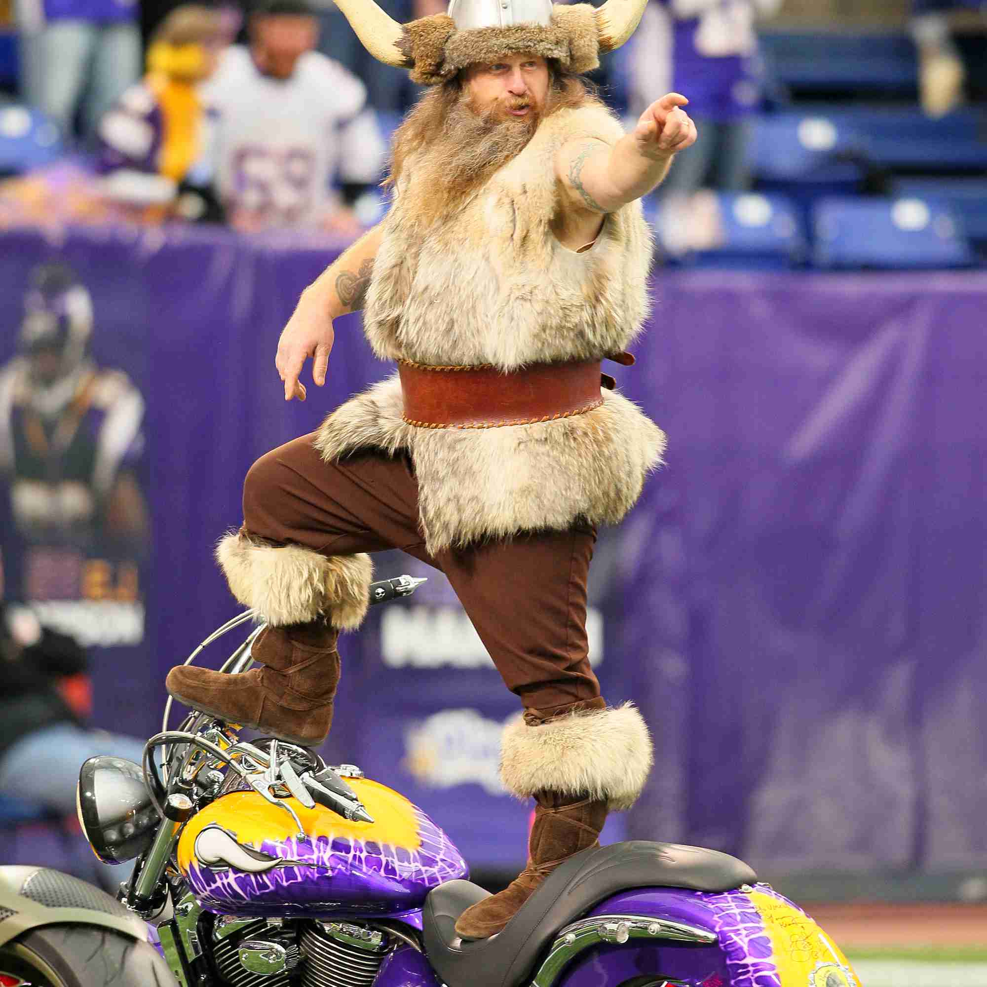 Minnesota Vikings mascot Ragnar