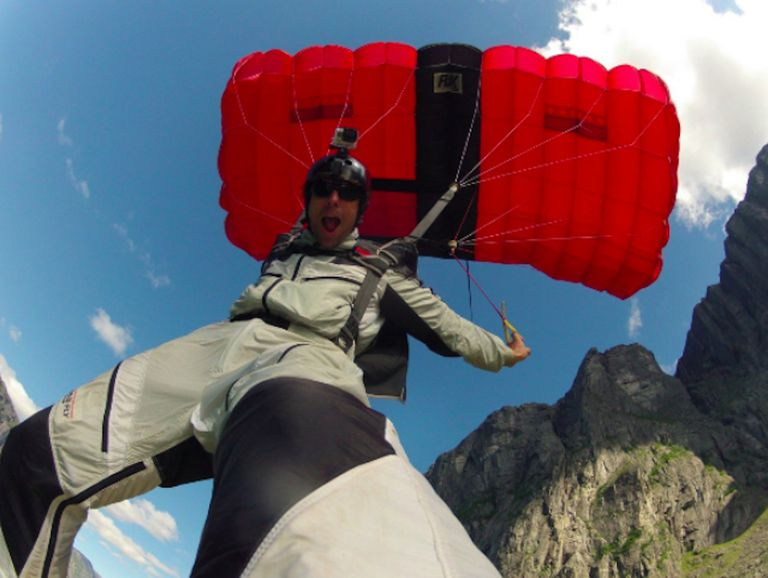 Joel Strickland BASE jumps in Norway