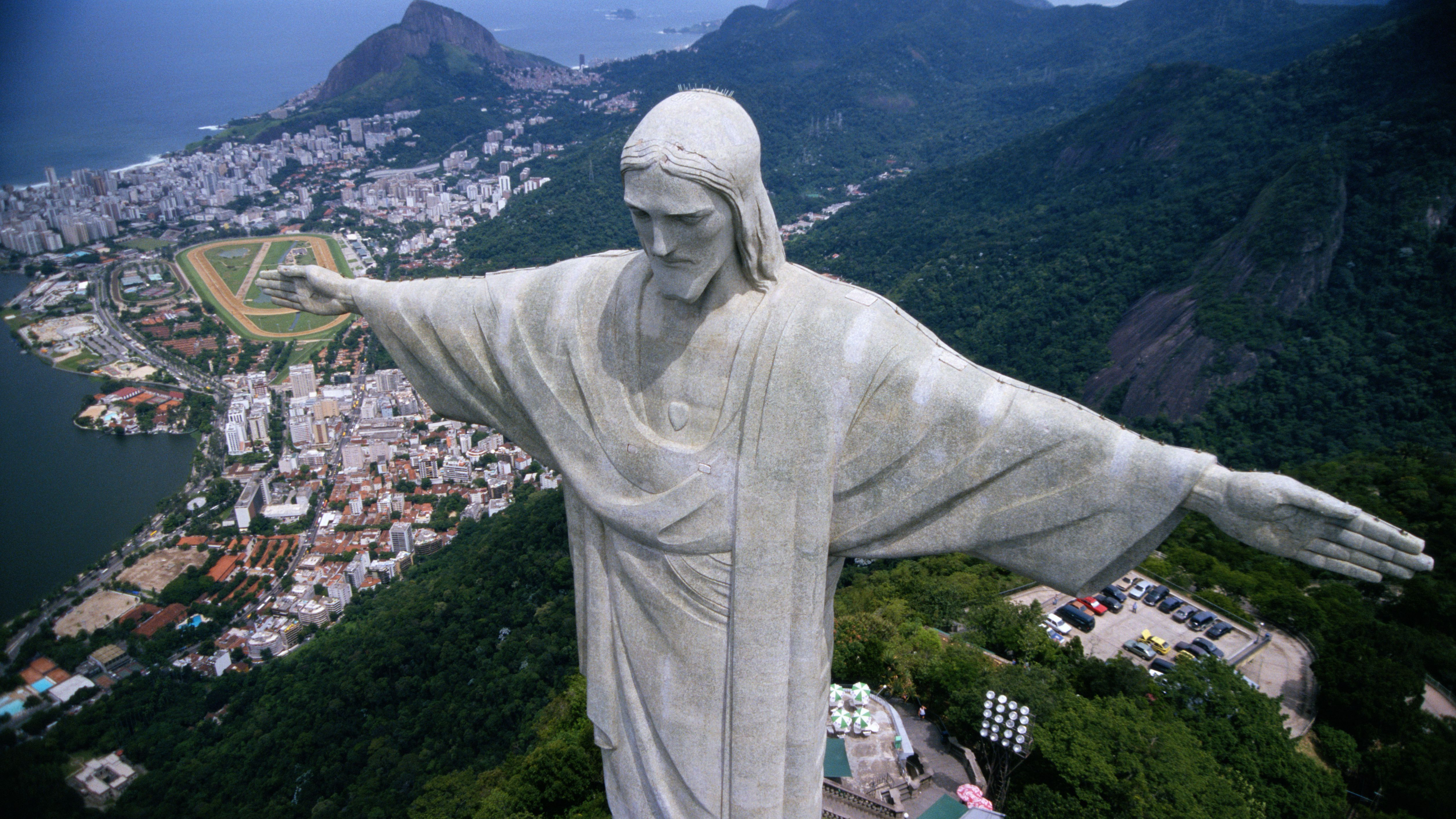 5 Reasons Why Christ the Redeemer Statue Is So Popular