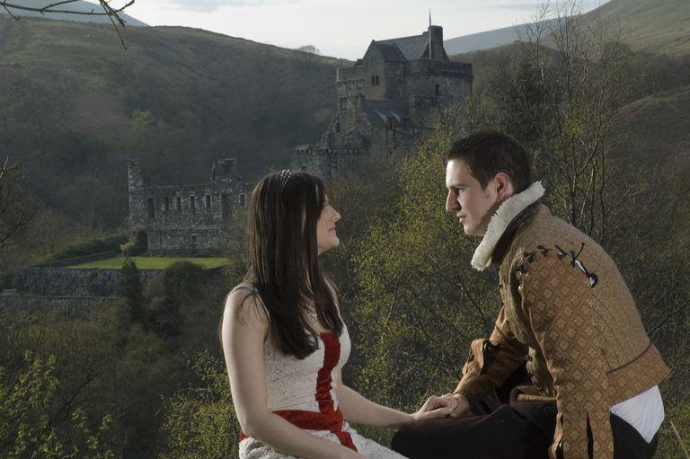 Shakespearean couple in love