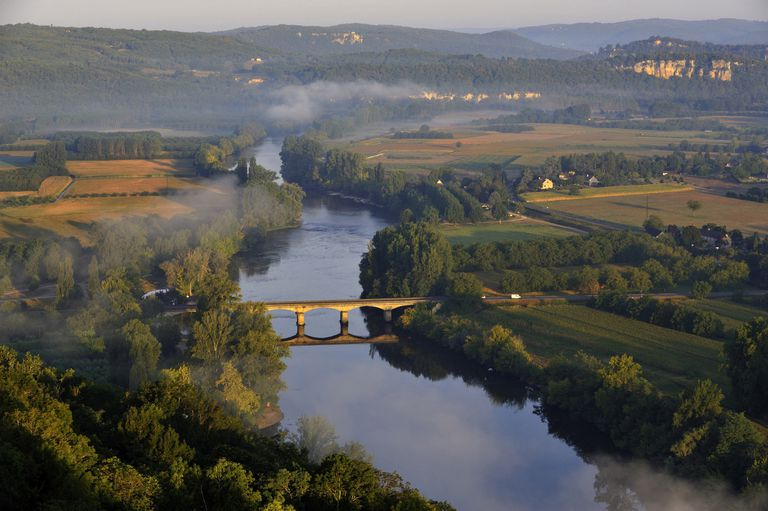 Panorama over the Dordogne River, Bastide of Domme, Domme, Dordogne, Perigord, France, Europe