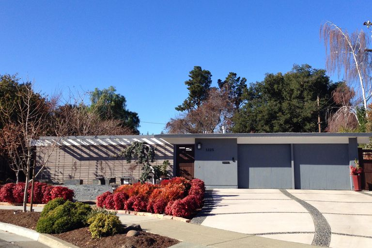 Mid-century modern architecture, suburban CA development of real estate man Joseph Eichler