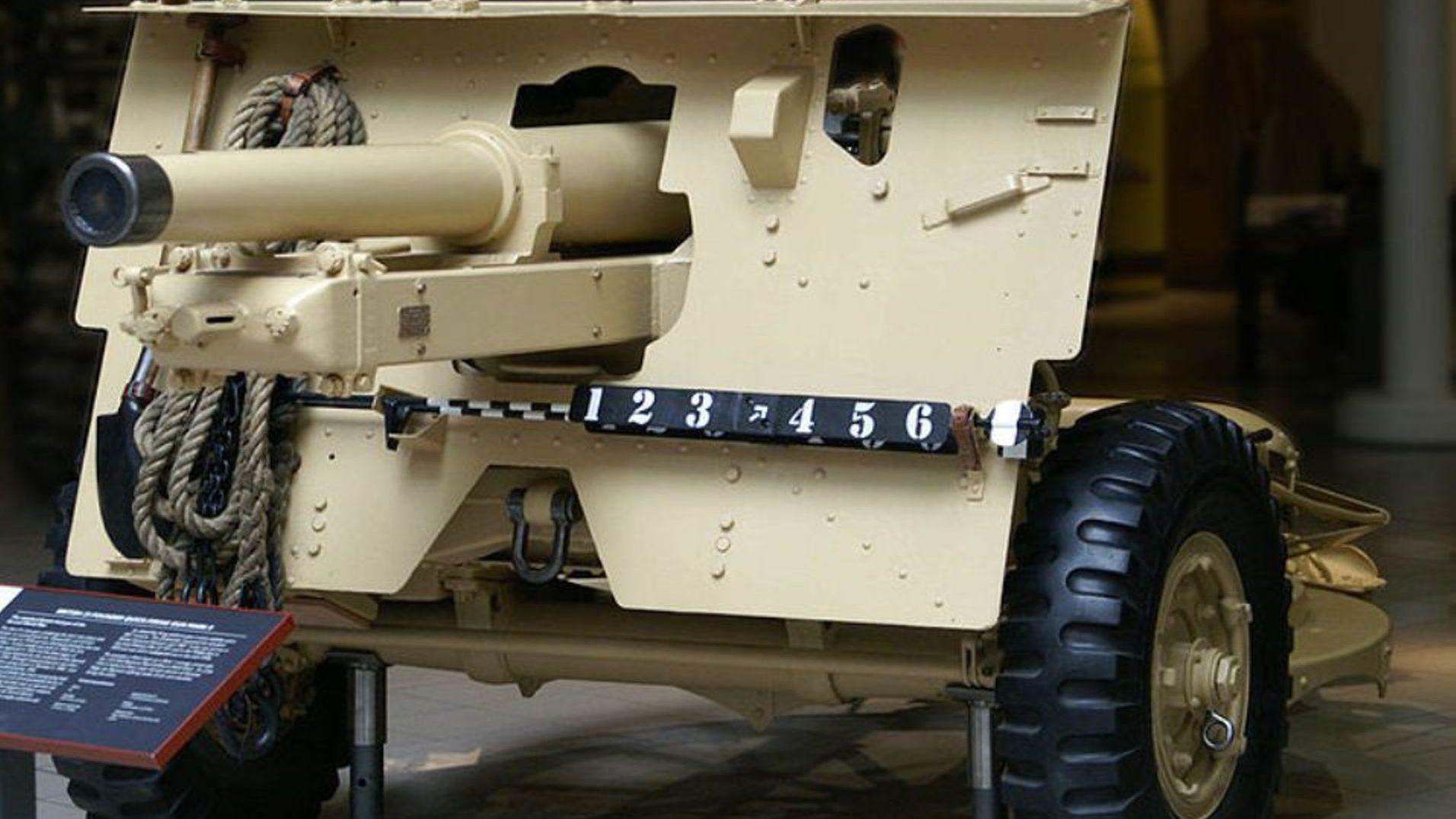 WWII: Ordnance QF 25-Pounder Field Gun