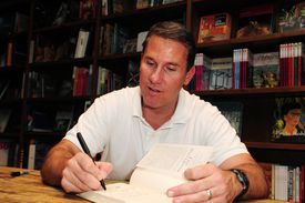 Nicholas Sparks Book Signing at Books and Books