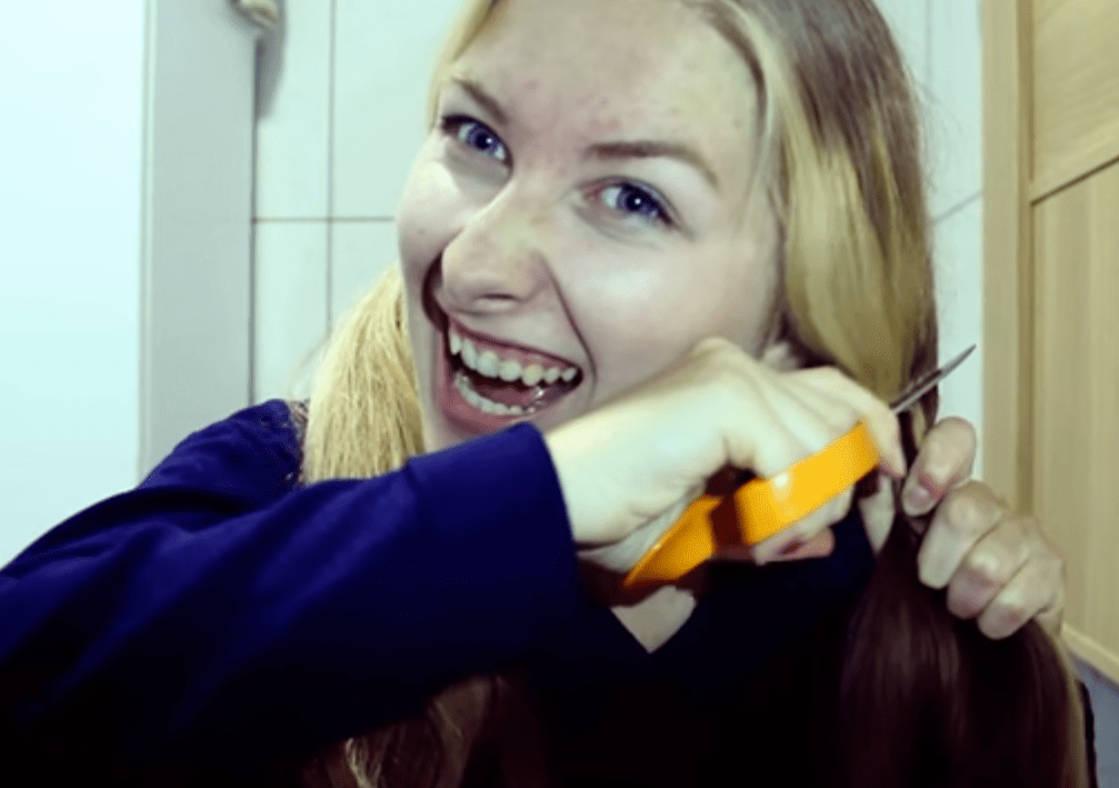 Top 10 Beauty Vlogger Tutorials Gone Hilariously Wrong