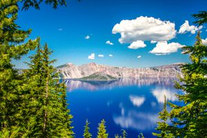 Clear lake on bright day, Oregon, USA