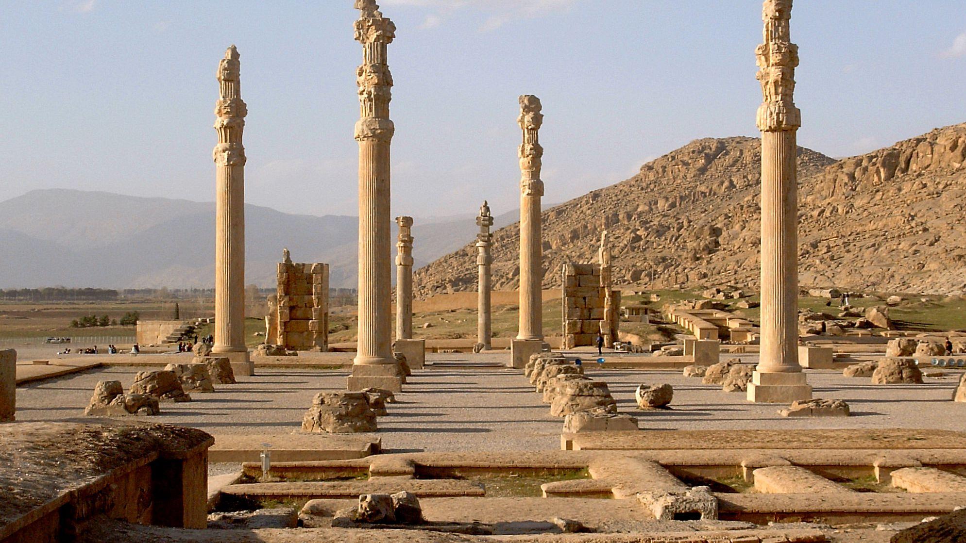 Why Did Alexander The Great Burn Persepolis