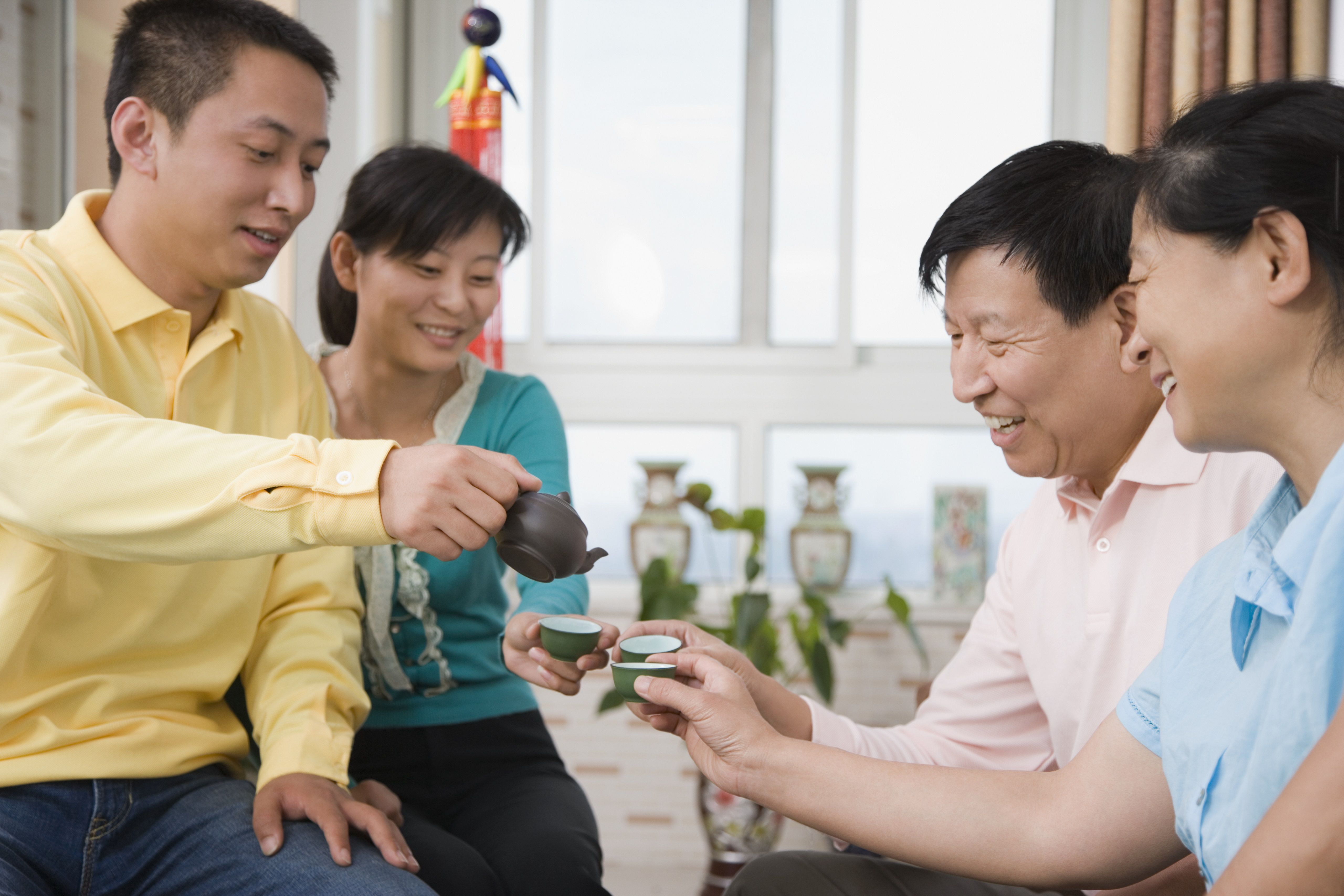 Chinese Etiquette For Visiting A Chinese Home