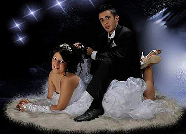 d0f7924a4e9 20 Of The Funniest Prom Couples Ever Captured On Camera