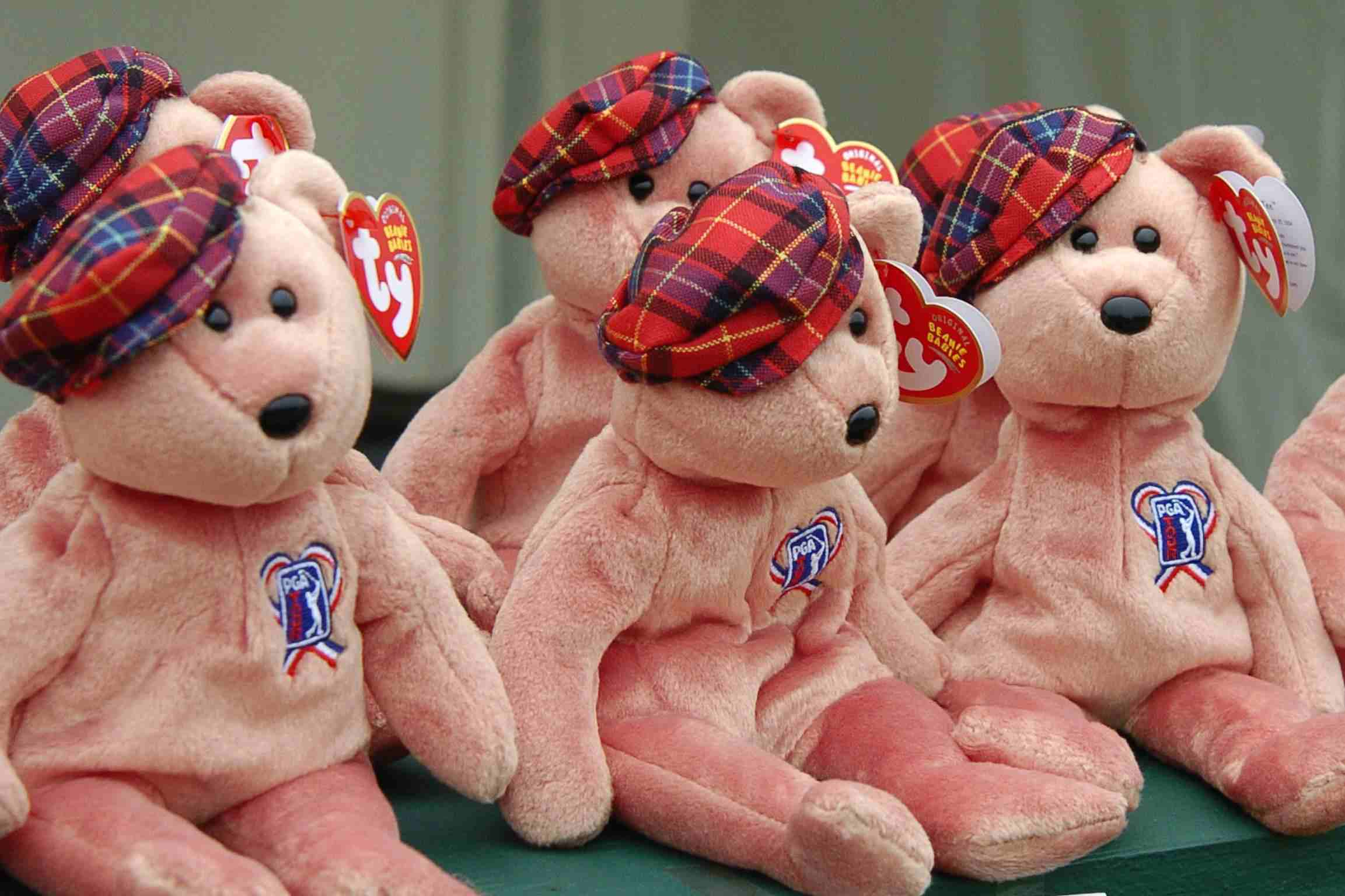 The wives of PGA Tour golfers sell stuffed Beanie Babies to rsie money for  charity during ebaaa0b599