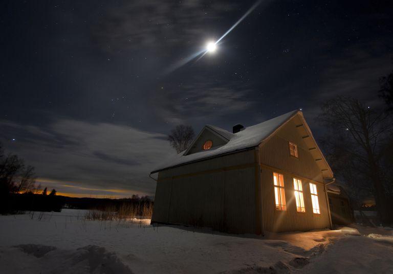 WinterMoon2_1500.jpg