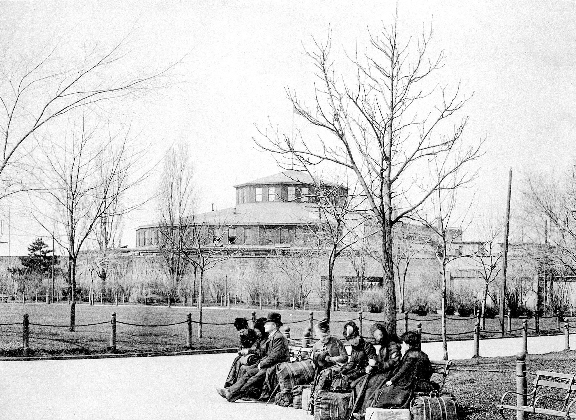 Castle garden was america 39 s first immigration center for Castle garden immigration records
