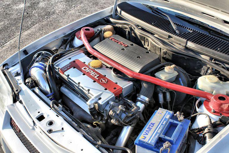 GM family engine close up.