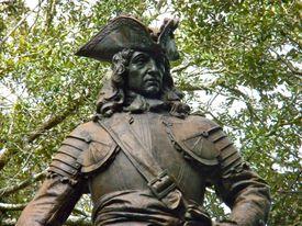 Statue of James Oglethorpe.
