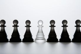 Pawn of clearness that queues up with enemy