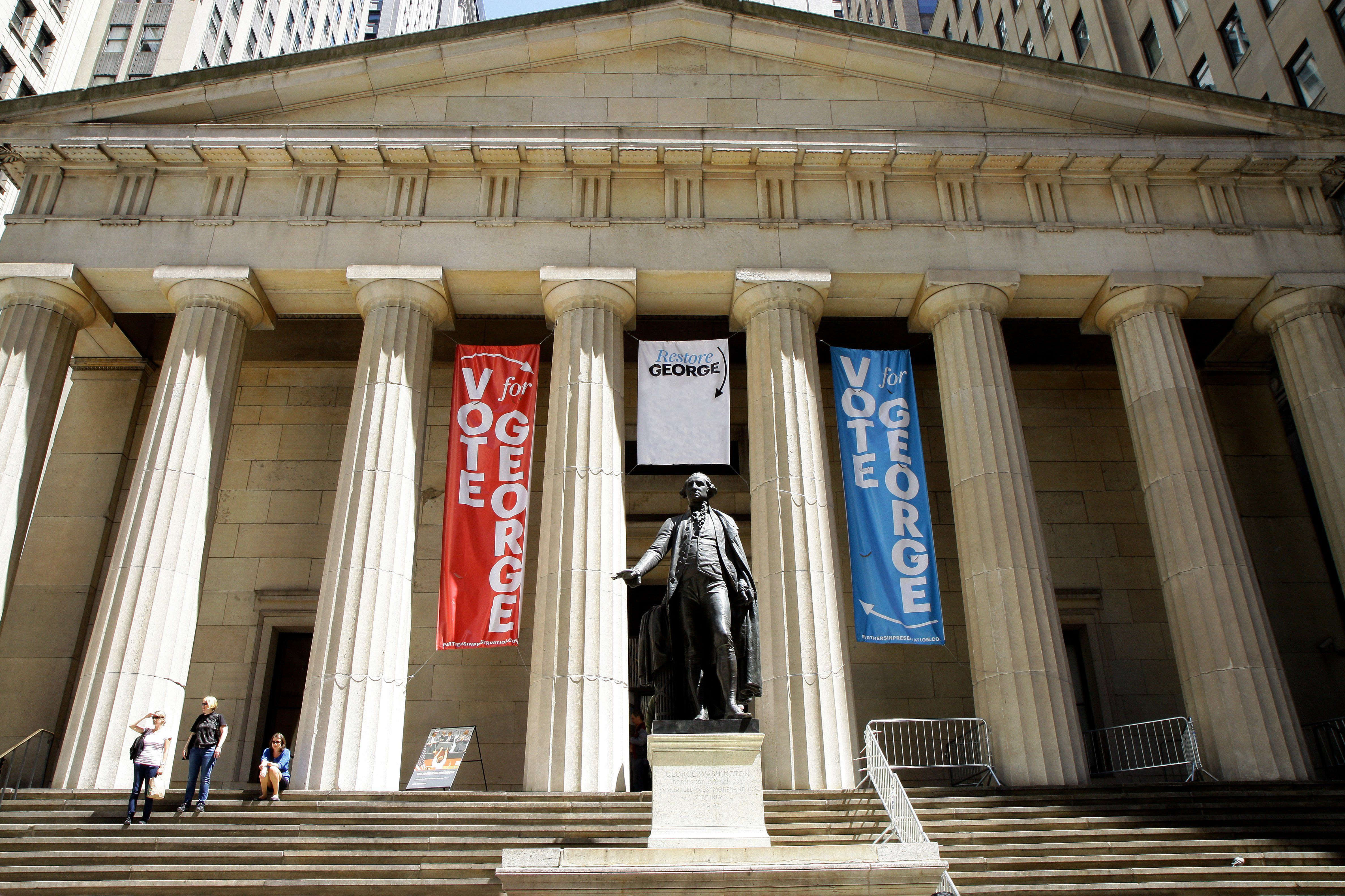 George Washington sculpture on the steps of Federal Hall in lower Manhattan