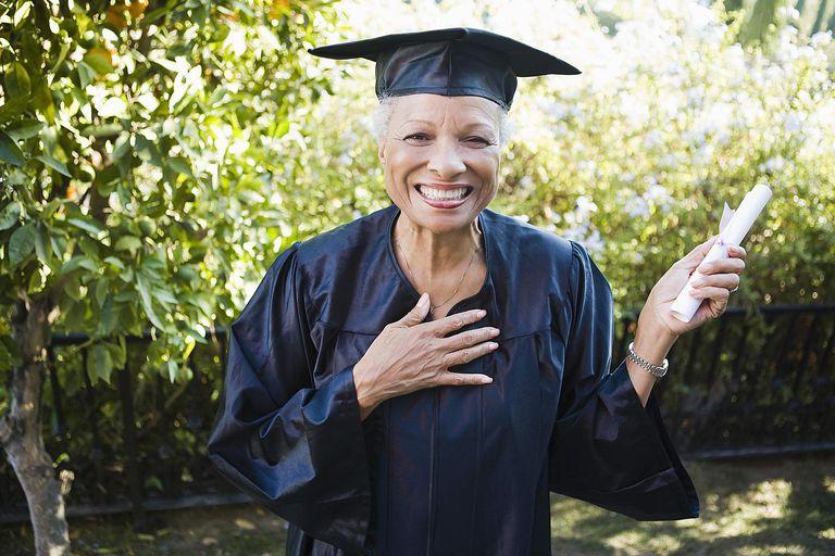 Graduate - Jupiterimages - Stockbyte - GettyImages-86517609