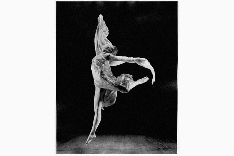 Isadora Duncan dancing with scarf, 1918