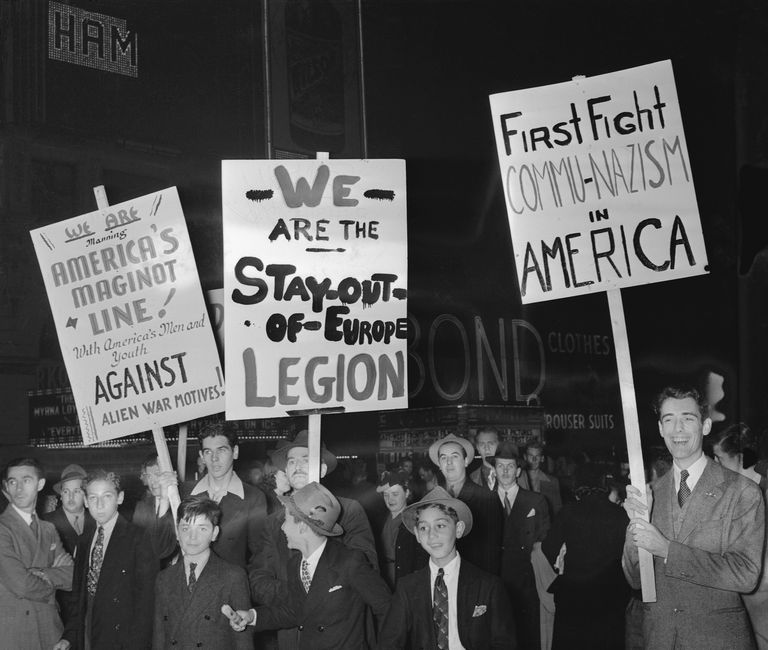 People demonstrating against America's involvement in World War II