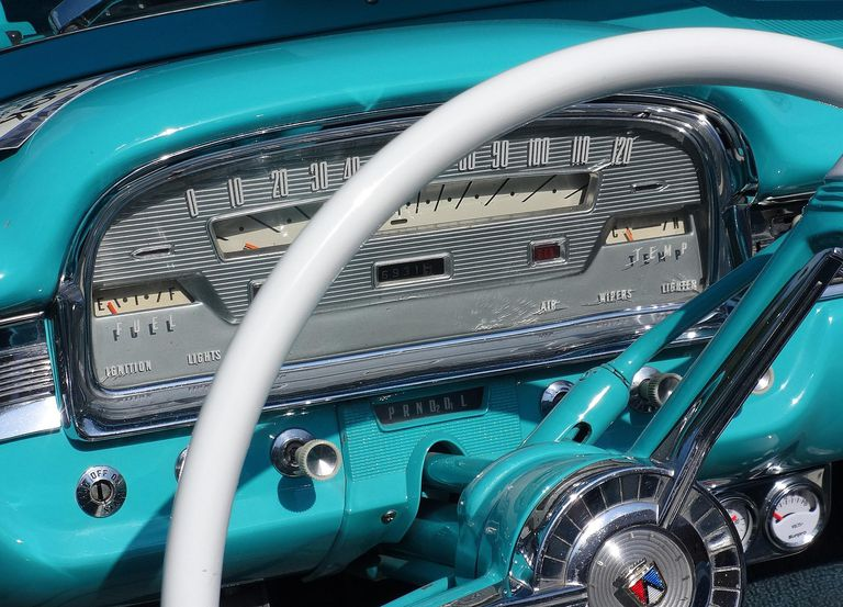 Classic-Ford-Speedometer.JPG