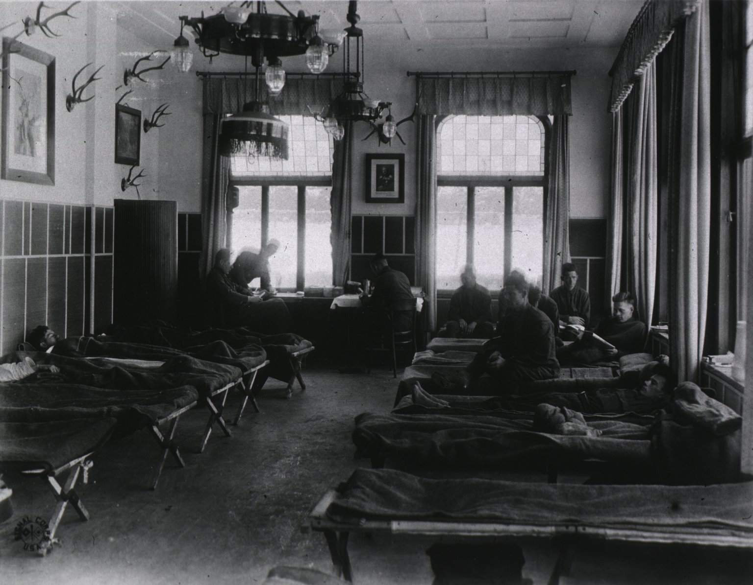 A picture of the interior of an influenza ward at a U.S. Army Field Hospital in Germany.