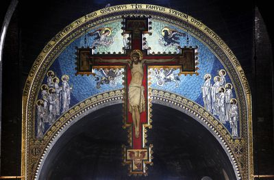 how and why catholics make the sign of the cross