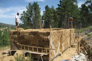 Frameless Straw Bale House (straw bale walls carry the roof load)