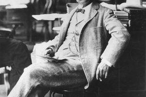 Mark Twain paid Ulysses S. Grant to write his memoirs.