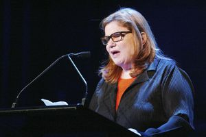 Wendy Wasserstein speaks during the Dramatists Guild Fifth Annual Benefit Dinner at the Hudson Theater May 10, 2004 in New York City.