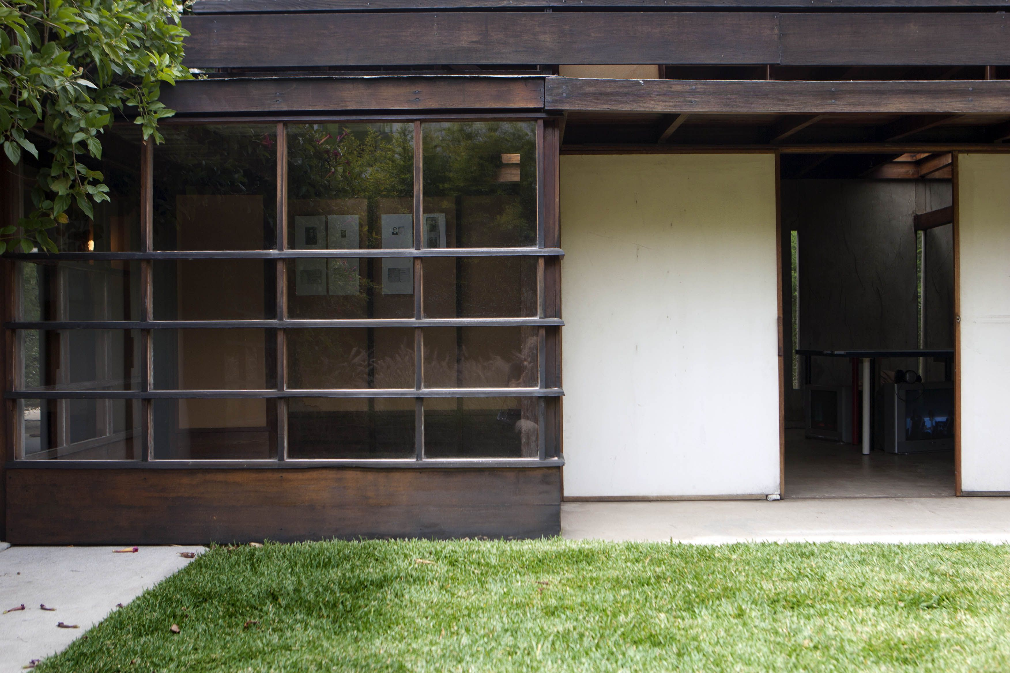About The 1922 Schindler House In Southern California