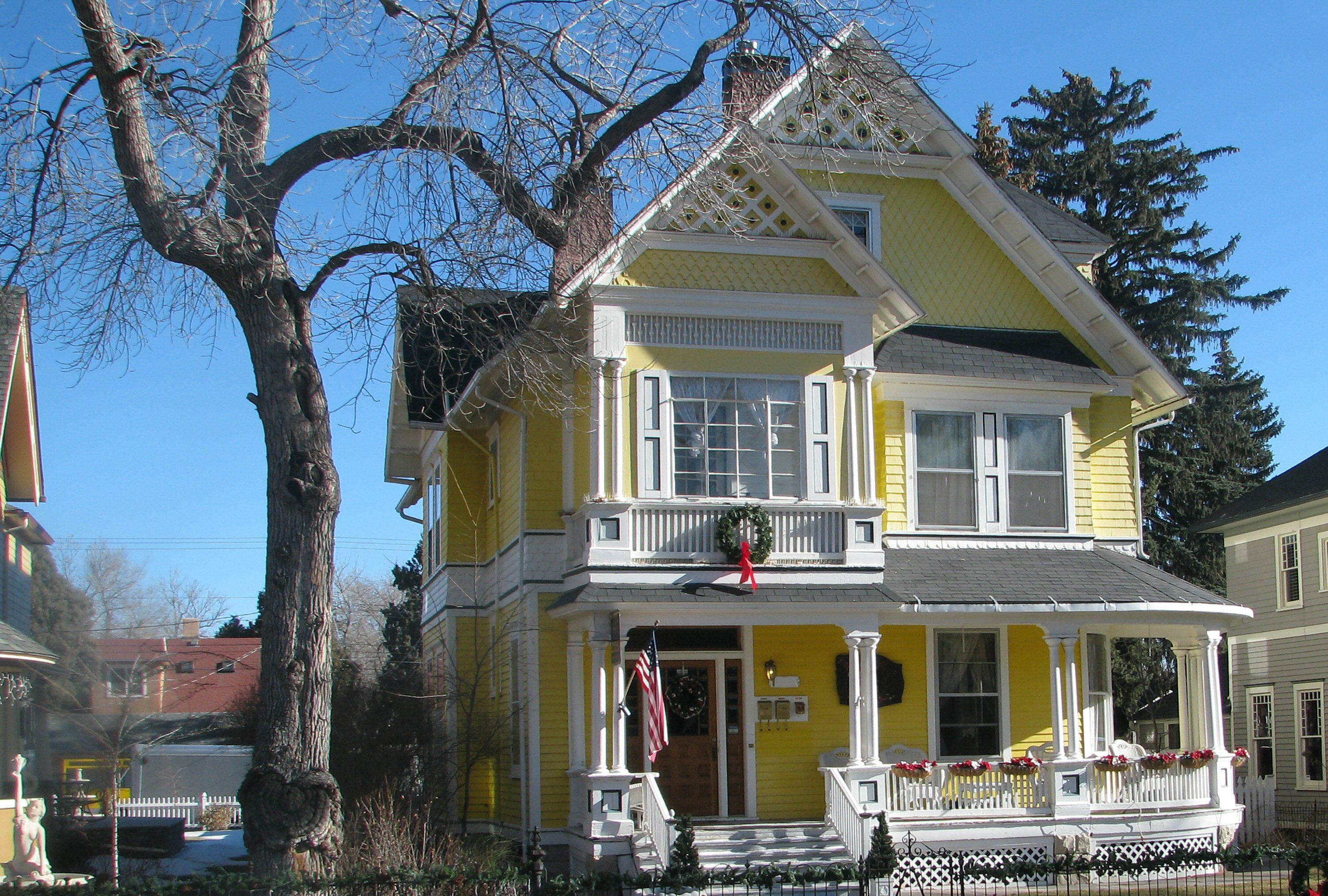 Golden Paint Colors And Photos Of Yellow Houses