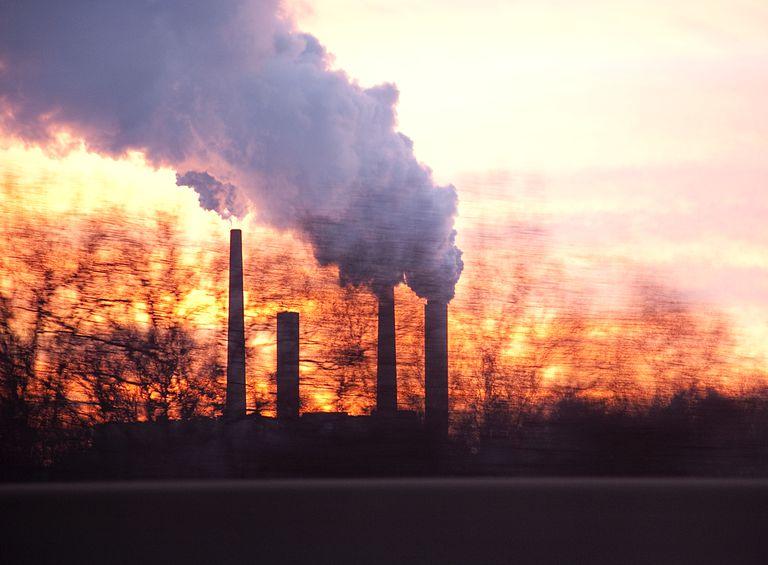 Smoke and Coal plant smokestacks