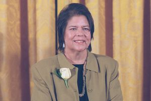Wilma Mankiller at White House, Medal of Freedom ceremony, 1998