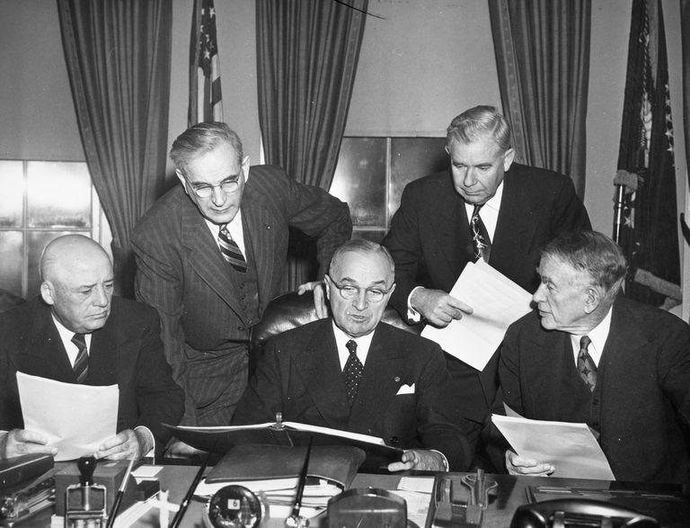 Truman Meets Congressional Leaders
