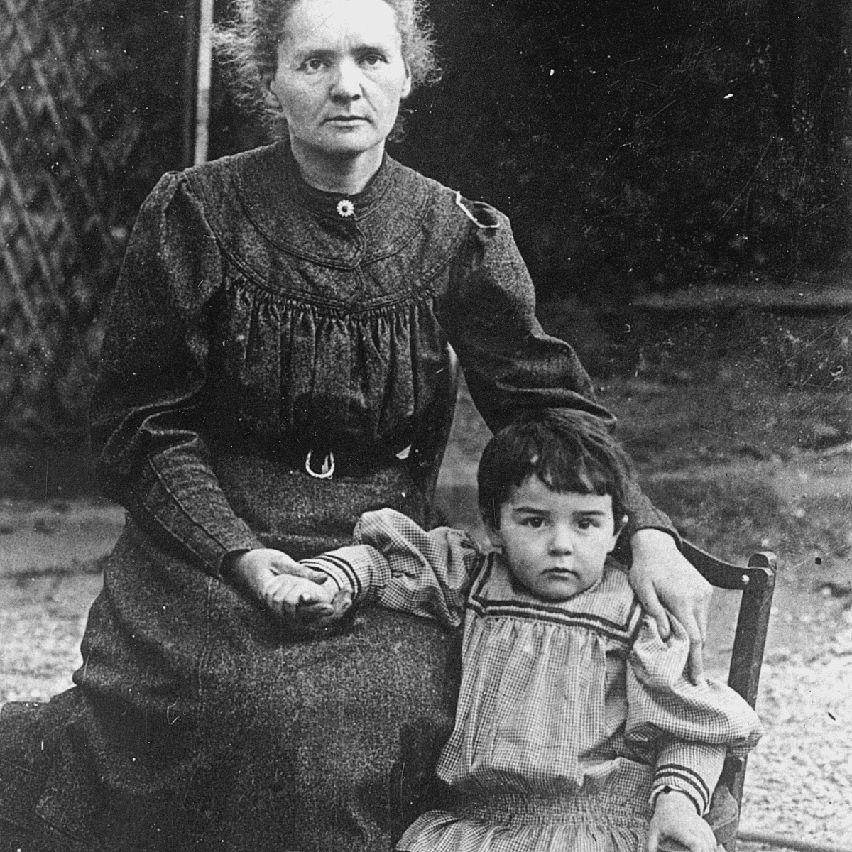 Marie Curie with Eve, 1908