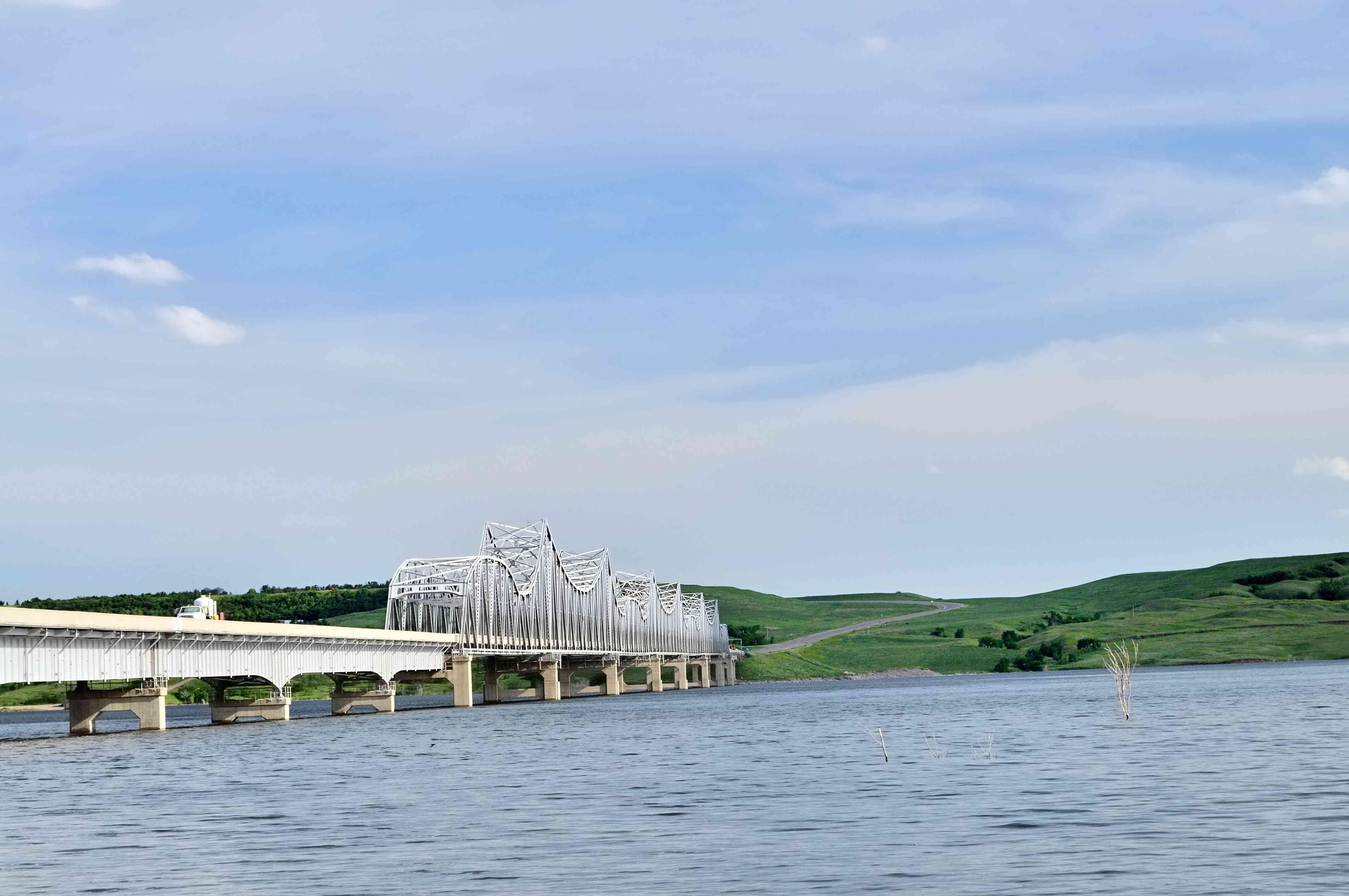 Lake Oahe Bridge